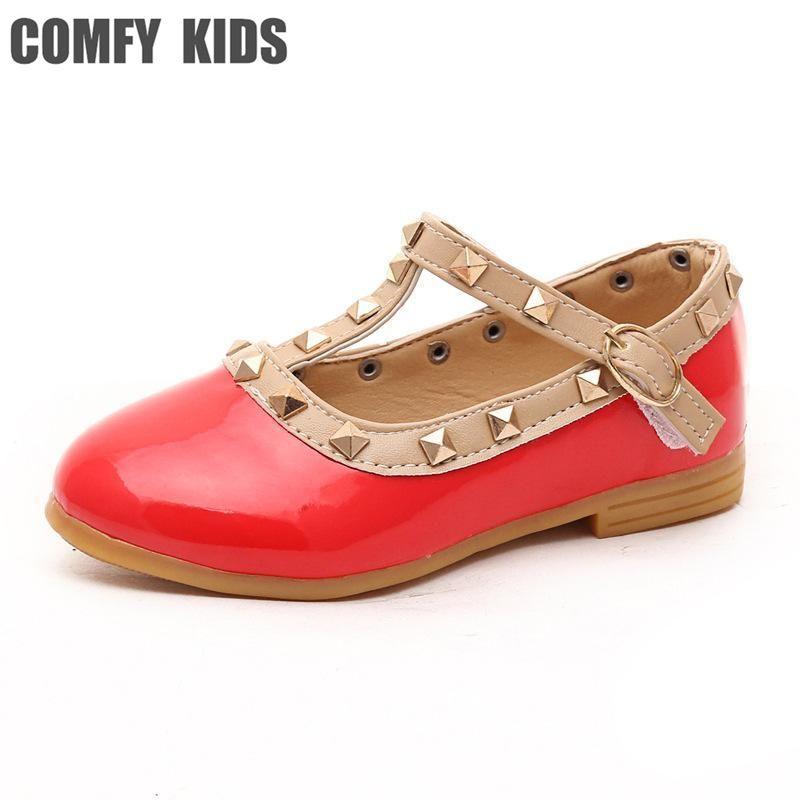 Fashsion remaches niñas princesa sandalias para bebé niño remaches zapatos niñas sandalias de cuero plana con zapatos de la Danza del bebé