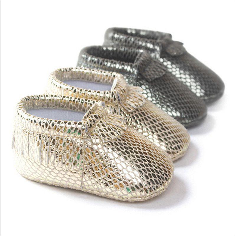 Модная обувь из искусственной кожи новорожденных для маленьких мальчиков девочка Мягкая обувь на мягкой подошве нескользящая обувь