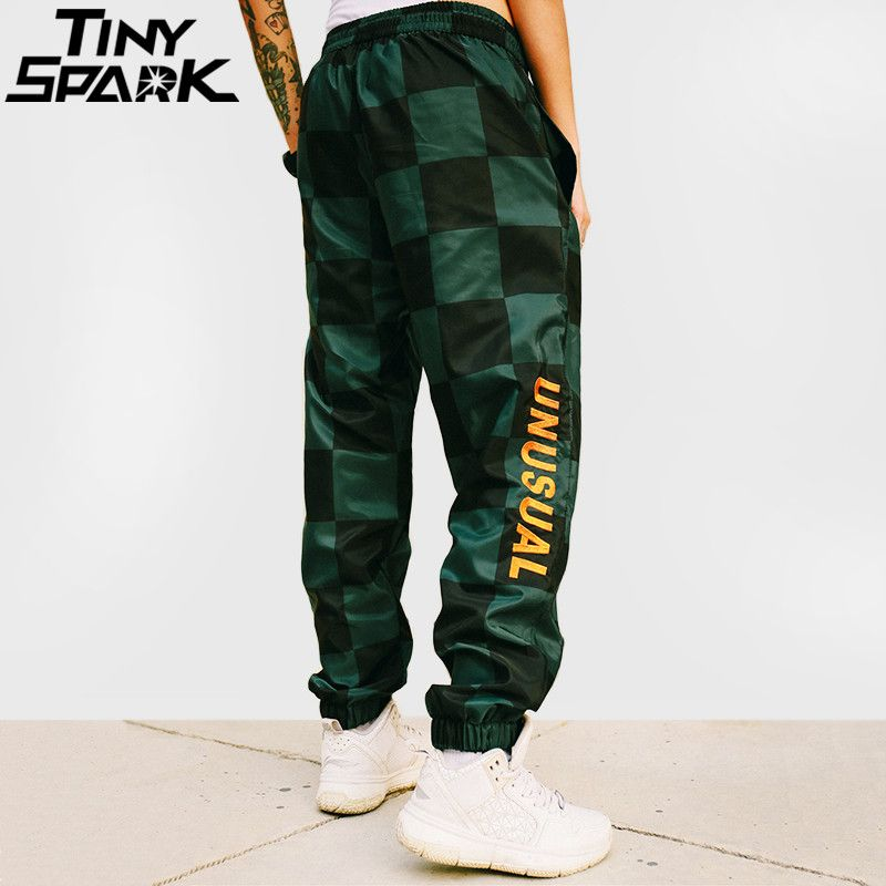 Harajuku Plaid Joggers Pant Embroidery Mens Hip Hip Sweatpant Streetwear Fashion Casual Track Pants Sweat Trousers 2018 Autumn