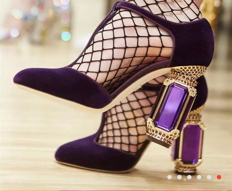 2018 New Pointed Toe Studded HIgh Heel Women Pumps Sexy Slip On HIgh Heels Stiletto Party Shoes Women