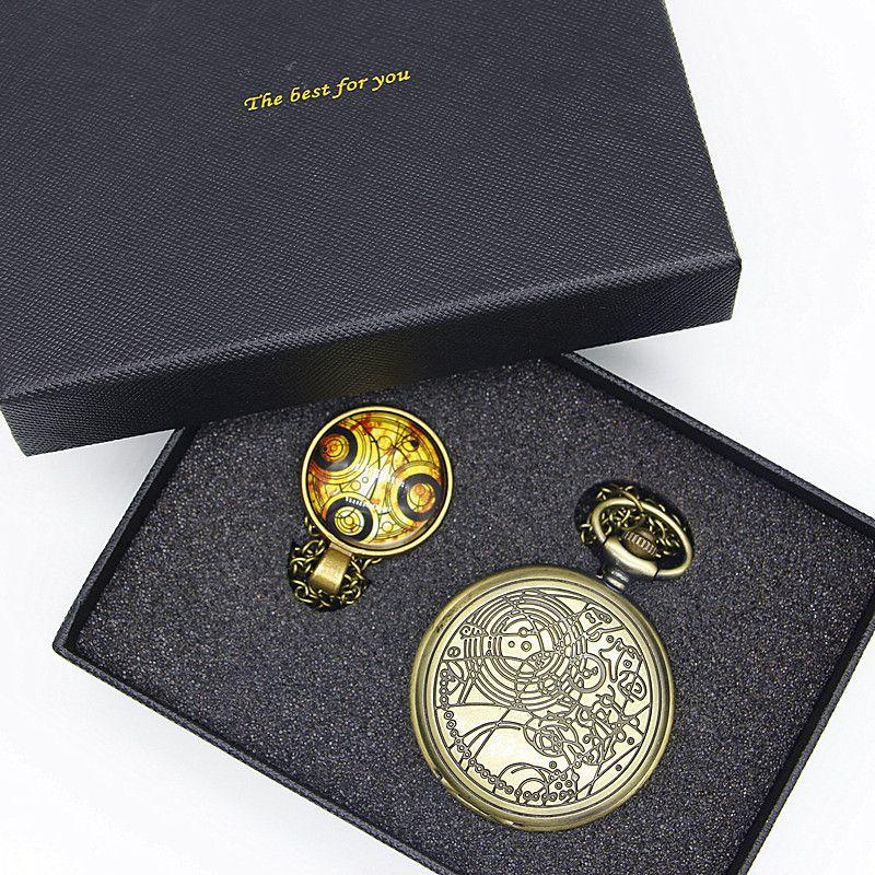 Doctor Who Series Reloj de Bolsillo antiguo Fija Con el Dr. Who Símbolos Diseño de Cristal de la Bóveda Colgante Embalaje Con Caja de Regalo