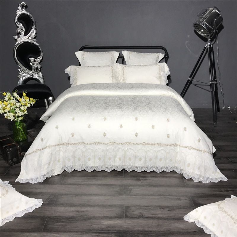Luxury Egyptian cotton Bedding Set Embroidery lace Bed Linens Satin Bed Sheet Set white Bedclothes Queen/King Size Bed cover