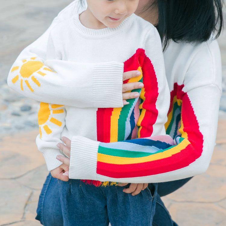 Мама и дети радуги свитер семейная Одинаковая одежда для мамы и дочки семейная одежда для мамы и сына одинаковые комплекты для семьи