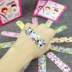 P 100pcs Cute Cartoon Waterproof Breathable Band Aid Hemostasis Adhesive Bandages First Aid Emergency Kit For Kids Children