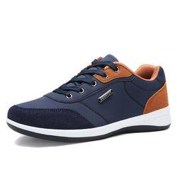 2017 Menjalankan Sepatu Mesh Bernapas Joging Olahraga Hitam putih biru Tekstil renda Sepatu Untuk pria Berjalan Sepatu 39-40