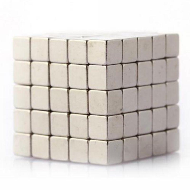 100 stücke Super Strong Magnete Cube Rare Earth Disc Neodym N35 3mm x 3mm x 3 mt