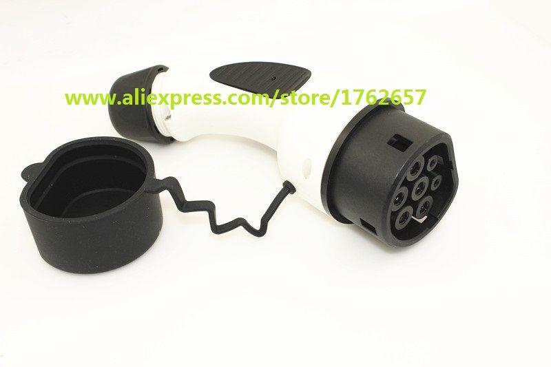 EV plug 32A 3 phase IEC 62196-2 European standard Mennekes Type 2 female connector car side for electric car charging station