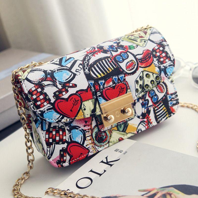 2018 New Women Bags Summer <font><b>Graffiti</b></font> Ladies designer handbags high quality chain mini bag women messenger bags for women Clutch