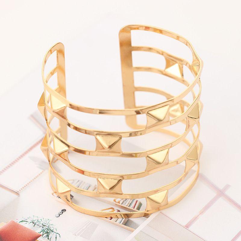 Find Me 2017 fashion Vintage Curved ethnic Cuff Bracelet boho Hollow out rivet geometric punk bracelets bangle for women Jewelry