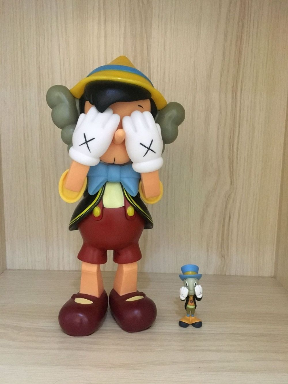 10,18inch standing Pinocchio medicom toy kaws real picture with Original box High Quality Original Resin Action