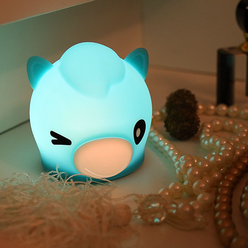 Cross-border baby horse silicone night light Battery pat light Creative cute bedroom bedside table lamp