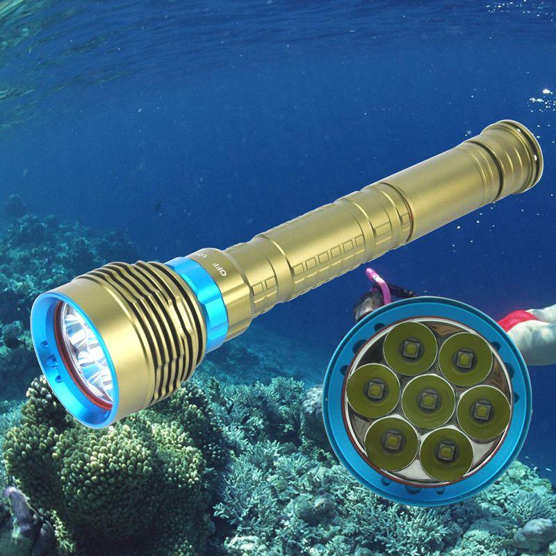 Lampe de poche de plongée BORUiT 70000 lumens 7 * T6 LED torche de plongée sous-marine IP68 200 M étanche sous-marine tactique 18650 Portable lanterne