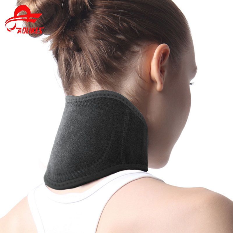 Magnet Therapy Neck Support Self-Heating Warmth Neck Support Stiff Pain Guard Headache Relief Neck Protector