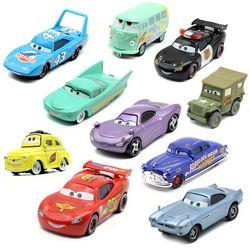 20 Styles Disney Pixar Cars 3 Foudre McQueen Jackson Tempête Ramirez Diecast Metal Alliage Modèle Jouet Éducatif Cadeau De Voiture Pour Kid