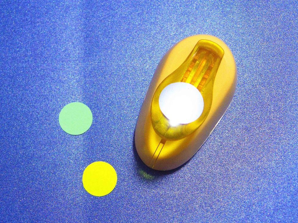 Envío Libre 2 cm Círculo (Redondo) EVA Espuma Punch Punzones Cortador De Papel Para Tarjetas De Felicitación Scrapbooking Herramientas Hechas A Mano Perforadora
