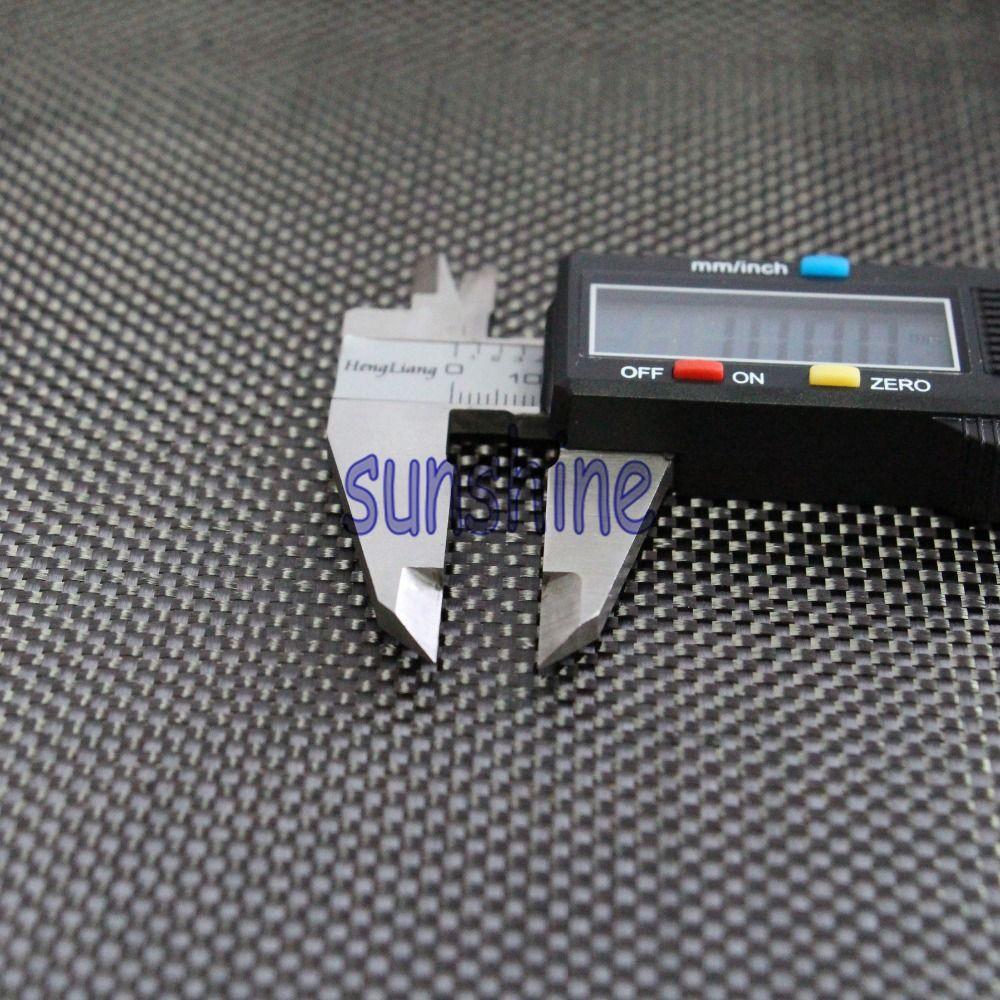 Tissu en carbone 100% Fiber de carbone 3 K 200g/m2 tissu tissé à armure toile d'épaisseur 0.2mm
