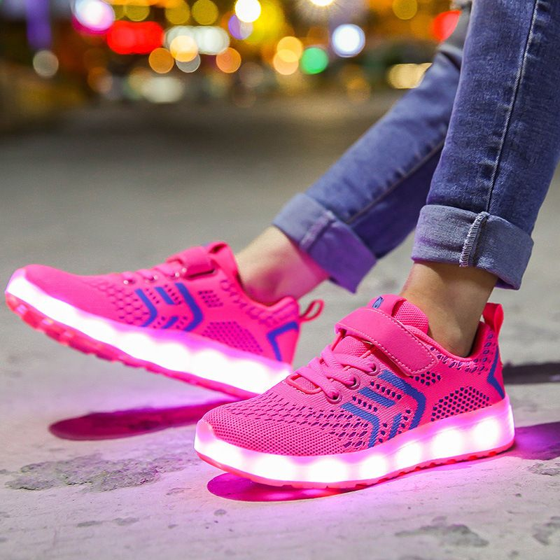 Children 's Shoes 2018 New Luminous Shoes LED Colorful Lights Breathable Boys and Girls Casual 7 Colors Sneakers