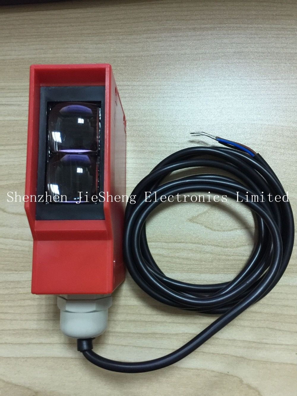 FREE SHIPPING High quality diffuse reflectance photoelectric sensor over distance 0-10 meters