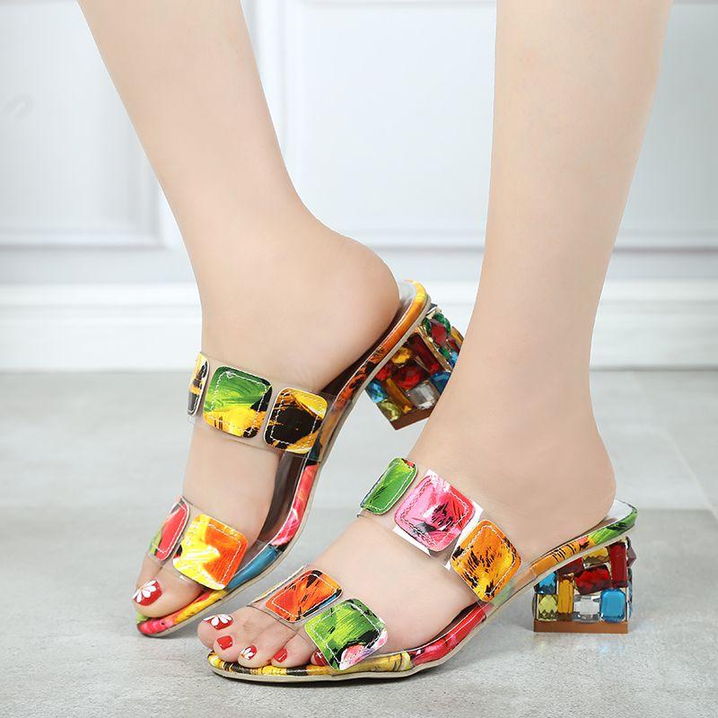 2019 nouveau été femmes Multi couleurs sandales mode talons hauts bout ouvert plage tongs dames cristal talons chaussures femme XWT1893