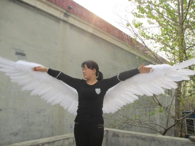 Custom Unique Sexy white large size Angel Feather Wings for adult women Wedding Party Decoration props 130cm EMS Free Shipping