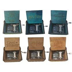 Antiguo de madera tallada Harry Potter Caja de música Juego de tronos mano cajas musicales star wars Caja de musica gota libre