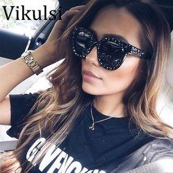 2018 De Luxe Italien Marque lunettes de Soleil Femmes Cristal Carré lunettes de Soleil Miroir Rétro Pleine Étoile Lunettes de Soleil Femelle Noir Gris Shades