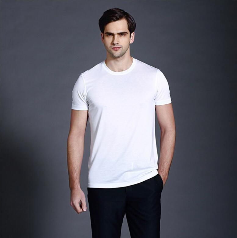 Männer der kurzen ärmeln t-shirts im frühjahr mit einem rundhals und eine solide basis