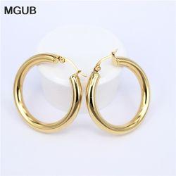 MGUB Or couleur cercle boucles d'oreilles créoles, Acier inoxydable Grand Rond épouses Hoop Boucles D'oreilles cadeaux pour femmes LHEH78