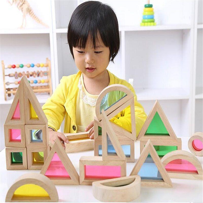 SUKIToy En Bois jouet Enfant de Doux Montessori Arc-En-Coloré En Bois Building Blocks Jouet Set 24 PCS 6 Forme 4 Translucide couleurs