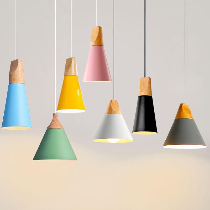 Luminaires suspendus nordiques pour éclairage domestique lampe suspendue moderne en bois abat-jour en aluminium LED ampoule chambre cuisine lumière 90-260 V E27