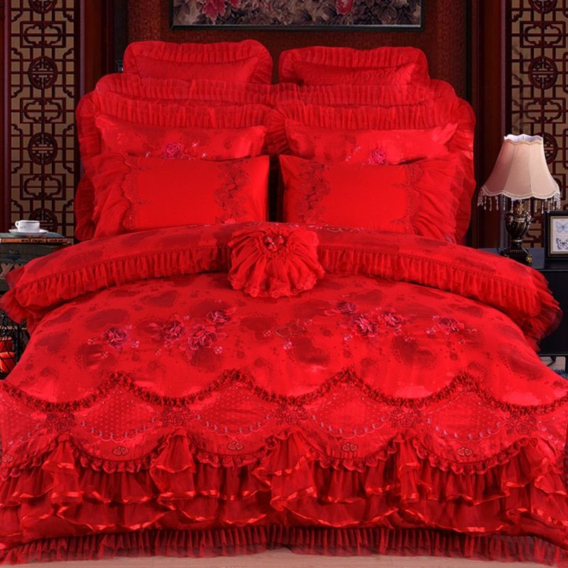 2018 Silk Cotton Satin Jacquard Luxury Wedding Bedding Set Embroidered Lace Duvet Cover Set Bedspread Queen King 4/6/8/10pcs