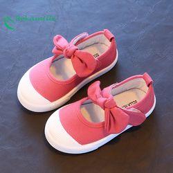 Bekamille primavera 2018 niños lona Zapatos niños encantadores arco Tacones Zapatos Niñas princesa color sólido sneakers