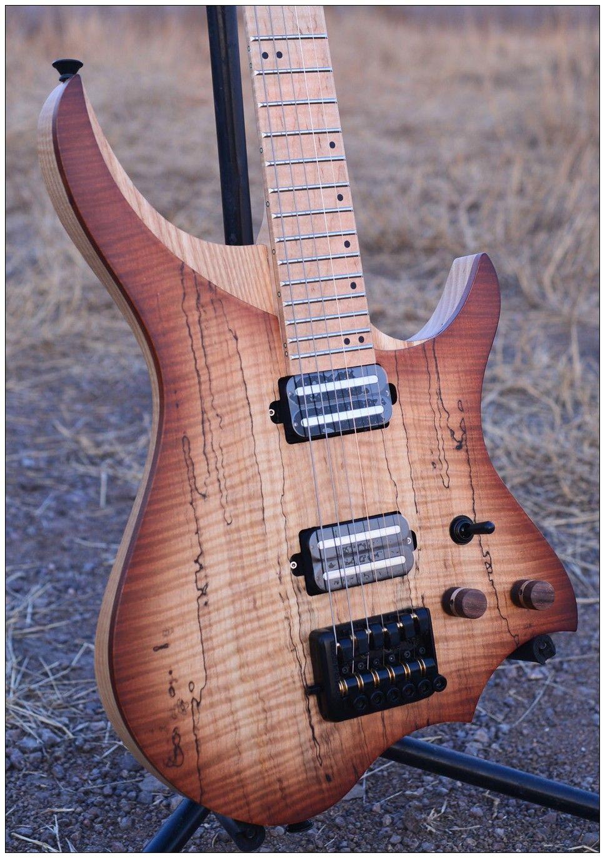 Kopflose Elektrische Gitarre stil Modell braun spalted lockiges maple top Flamme ahorn Hals auf lager freies verschiffen