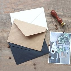 100 pcs retro simple paper Postcard envelope 16.2*11.4 cm the envelopes for invitations kraft paper sobres Three colors Blank