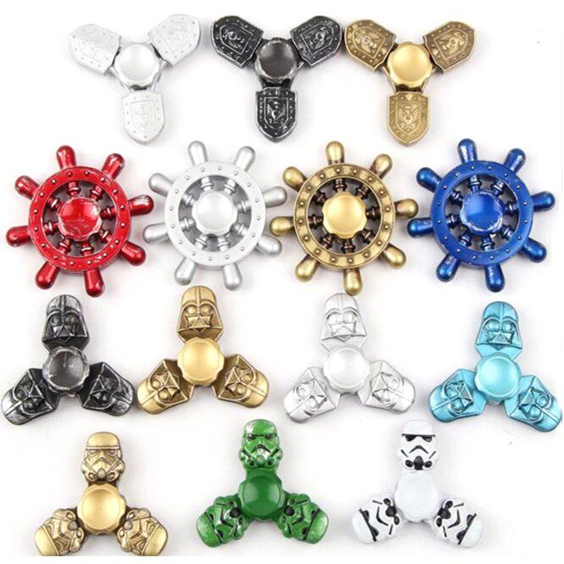 Star wars hilanderos manuales fidget juguetes de metal de aluminio 2017 Nuevo Pirata Timón figet dedo spinner spinner metal spiners metalizado