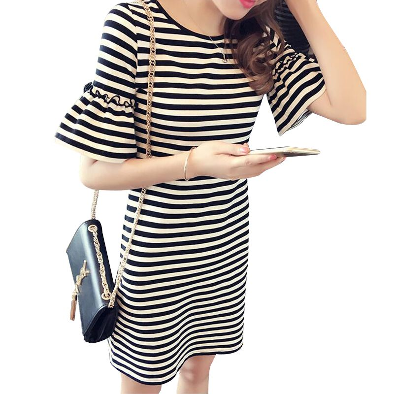 2017 New Spring Summer Women Round Neck Fashion Black and White Striped Half Sleeve Straight Plus Size Casual Dress Women