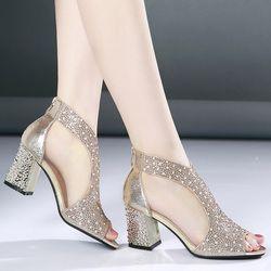 Moda 2018 mujeres sandalias Bling 7 cm tacones altos diamante verano Tacón cuadrado mujeres zapatos de boda de cuero sandalia Mujer