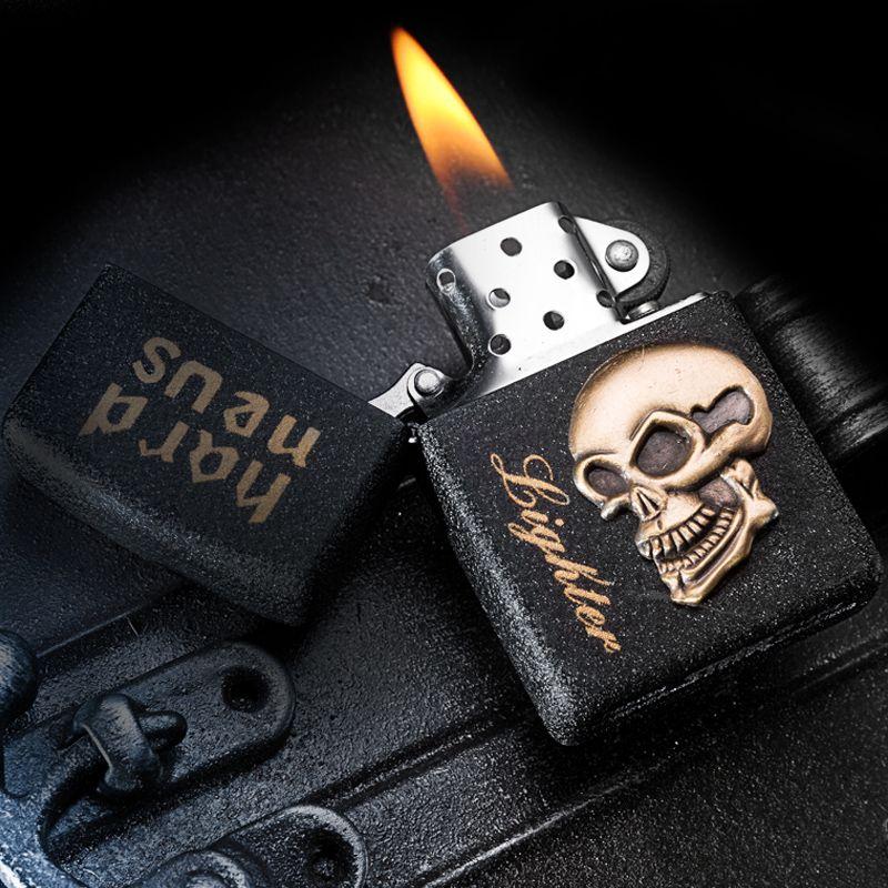 Universal Givré briquets silex pierre essence mat huile briquets Hommes briquets Personnels Rétro crâne En Métal Cigarette briquets