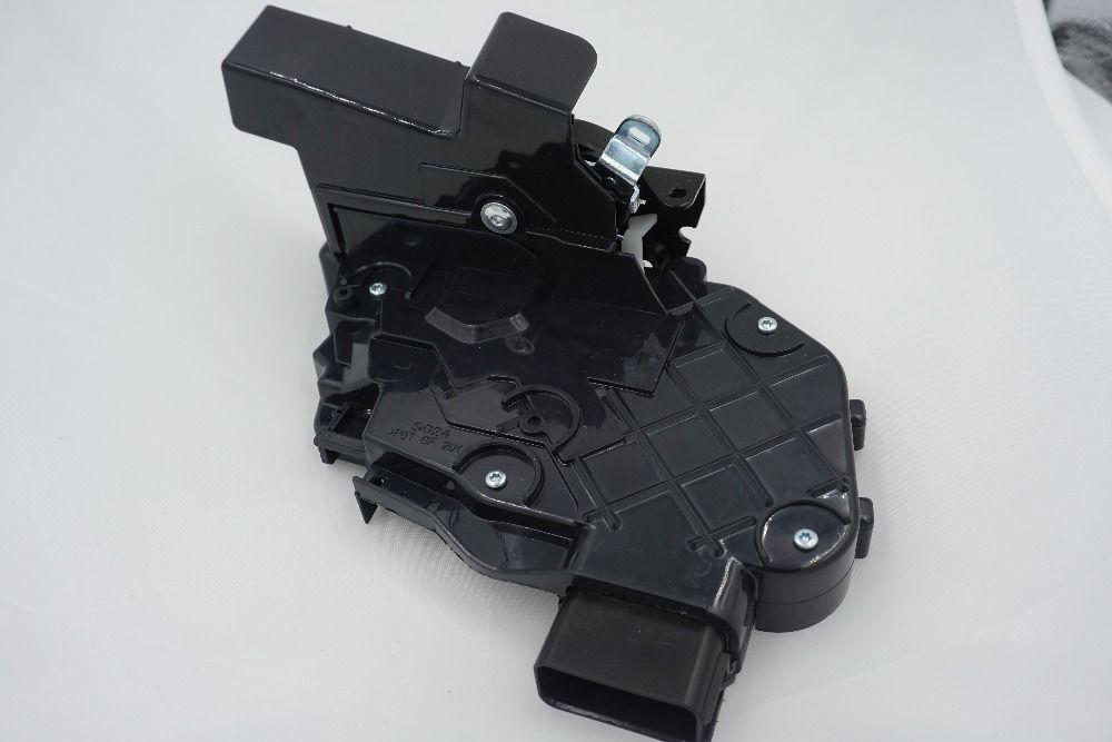 LR011277  front left 433 Mhz LR 011277 car door latch Mechanism for Evoque Freelander 2 Discovery 3/4 Range Rover Sport 05-09/10