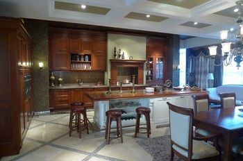 classical all wood kitchen cabinets(LH-SW069)