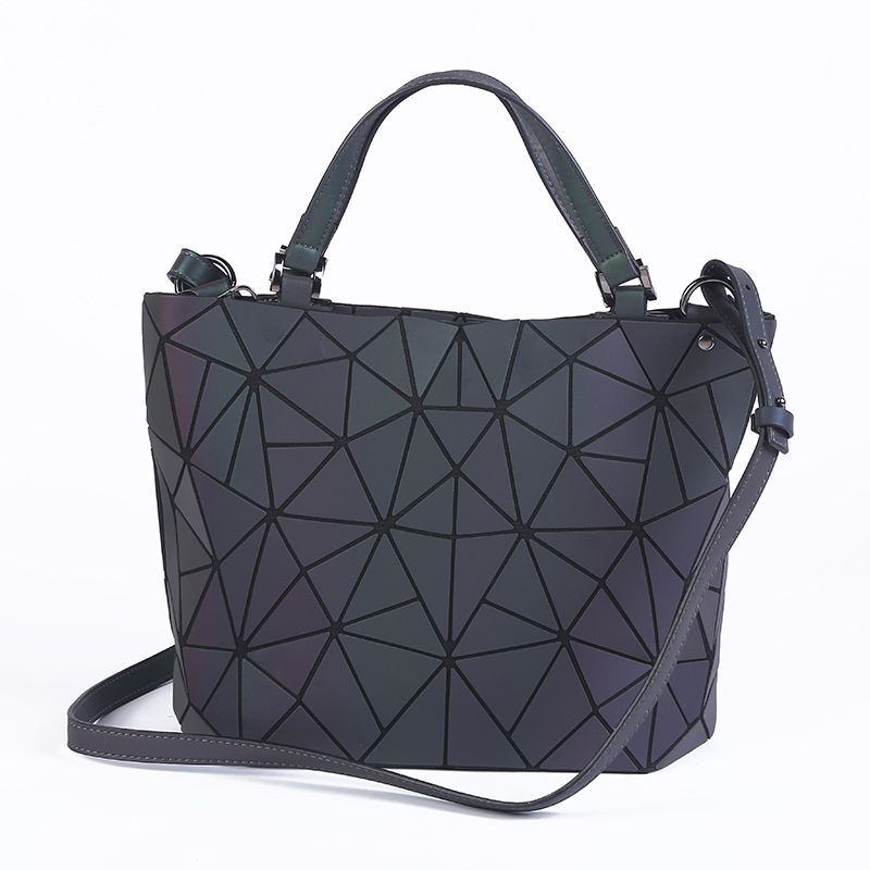2018 bag Women Luminous sac Briefcase Diamond Tote Geometry Quilted Shoulder Bags Laser Plain Folding Handbags bolso