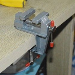 Aluminum Mini Clamp On Bench Vice for Jewellers/hobbyists/Crafts/model building