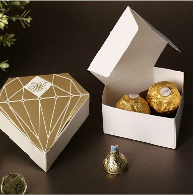 Adrian 100pcs/Lot Paper Candy Box Gold Wedding Favors And Gifts Event Party Supplies Kids Baby Favors