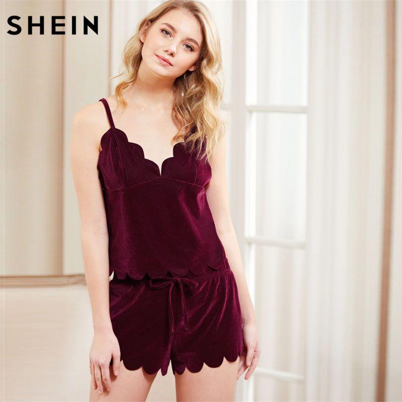 SHEIN Women Sleeping Summer Nightwear Pyjama Burgundy Spaghetti Strap Scalloped Trim Velvet Cami Top & Shorts Pajama Set