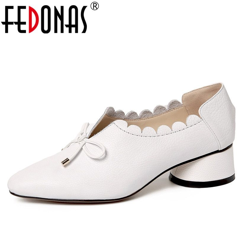 FEDONAS Mode Femmes En Cuir Véritable Printemps Pompes Épais Talons Hauts Bout Rond Confortable Chaussures De Mariage Femme Bowtie Pompe Parti