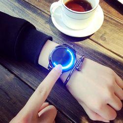 Kepribadian Kreatif Kulit Minimalis Normal LED Tahan Air Jam Pria dan Wanita Beberapa Watch Smart Electronics Smart Jam Tangan Kasual