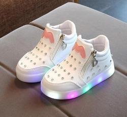 AI Liang princesa encantadora niños niñas botas niños de dibujos animados zapatos moda casual luz LED del bebé niños sneakers
