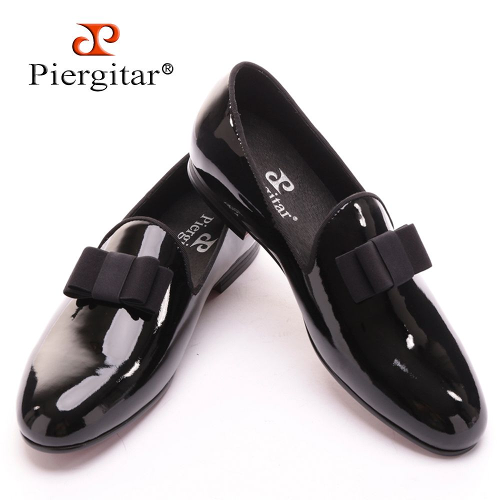 Piergitar 2017 new black patent leather men handmade loafers with black bowtie Fashion Banquet and prom men dress shoes