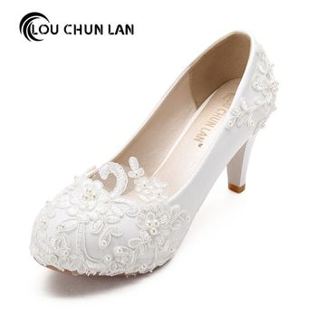 Femmes Pompes Chaussures De Mariage grande taille 41-48 À La Main dentelle Blanc Chaussures De Mariée Demoiselle D'honneur Chaussures banquet robe Chaussures 8.5 cm Talon