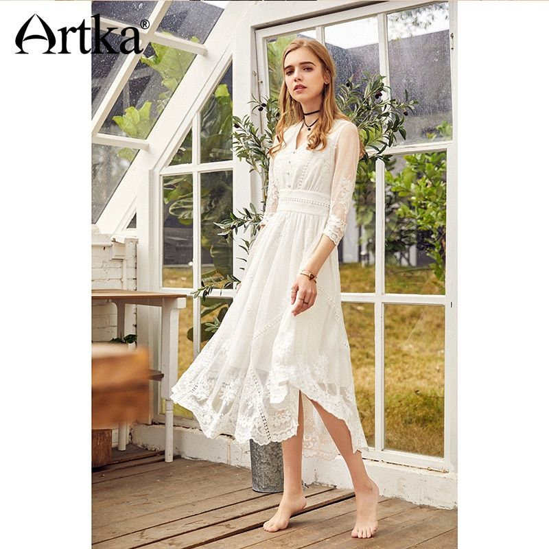 Artka Autumn 2018 New Women Vintage Lace Embroidered High Waist V-neck White Princess Dress LA10983C